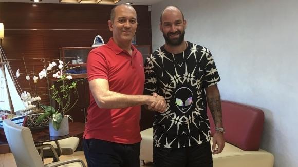 Легендата на европейския баскетбол Василис Спанулис ще брани емблемата на