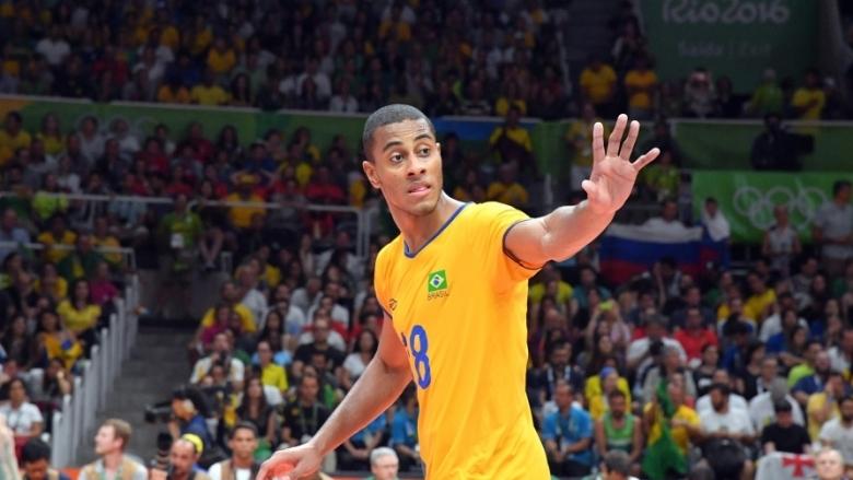 Бразилският националРикардо Лукарели все още очаква дасе присъедини къмсребърния медалист