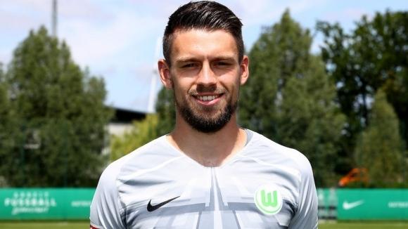 Вратарят на Волфсбург Филип Менцел напусна отбора, съобщава официалният сайт