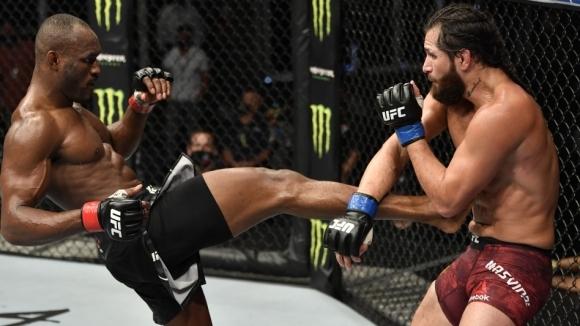 Битката за шампионския пояс в полусредна категория на UFC 251