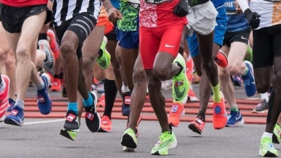 Тазгодишният маратон на Манчестър беше отменен заради пандемията от коронавирус.