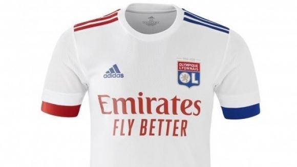 От Лион обявиха, че са подписали нов договор с adidas,