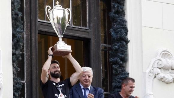 Капитанът на Локомотив (Пловдив) Димитър Илиев бе един от футболистите