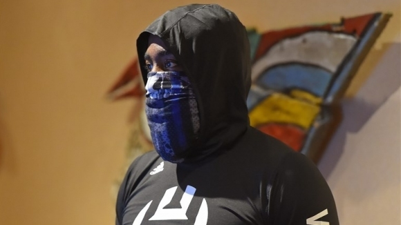 Джеймс Хардън даде обяснение за това защо е носил маска,