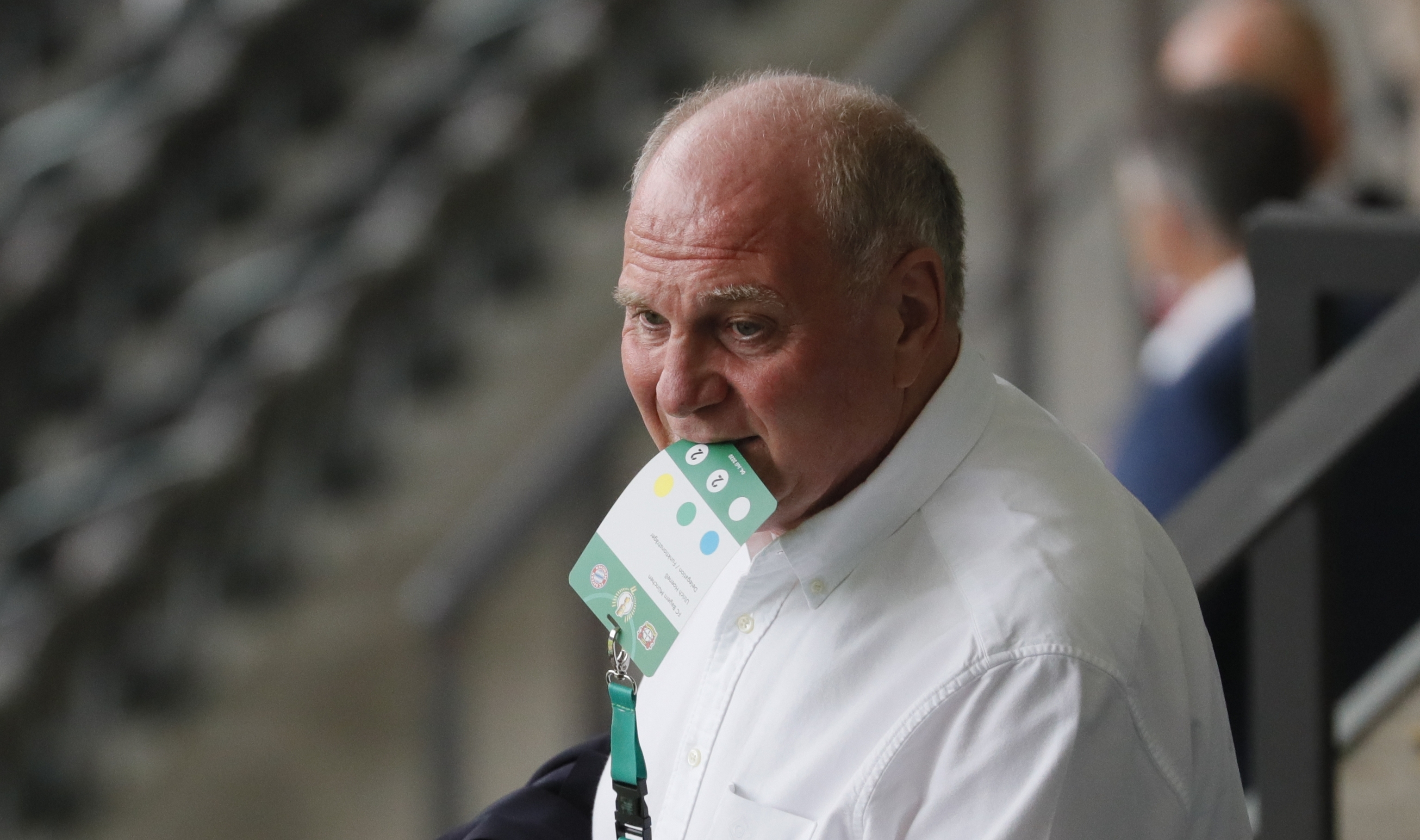 Бившият президент на Байерн (Мюнхен) Ули Хьонес призова футболните феновете