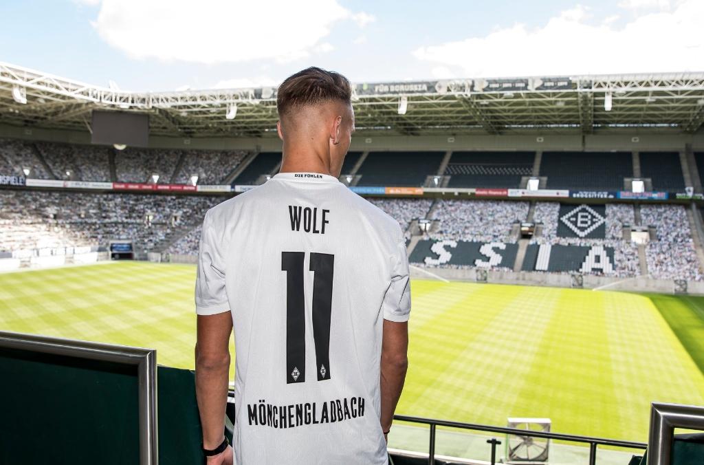 Класиралият се за шампионската лига Борусия (Мьонхенгладбах) привлече под наем