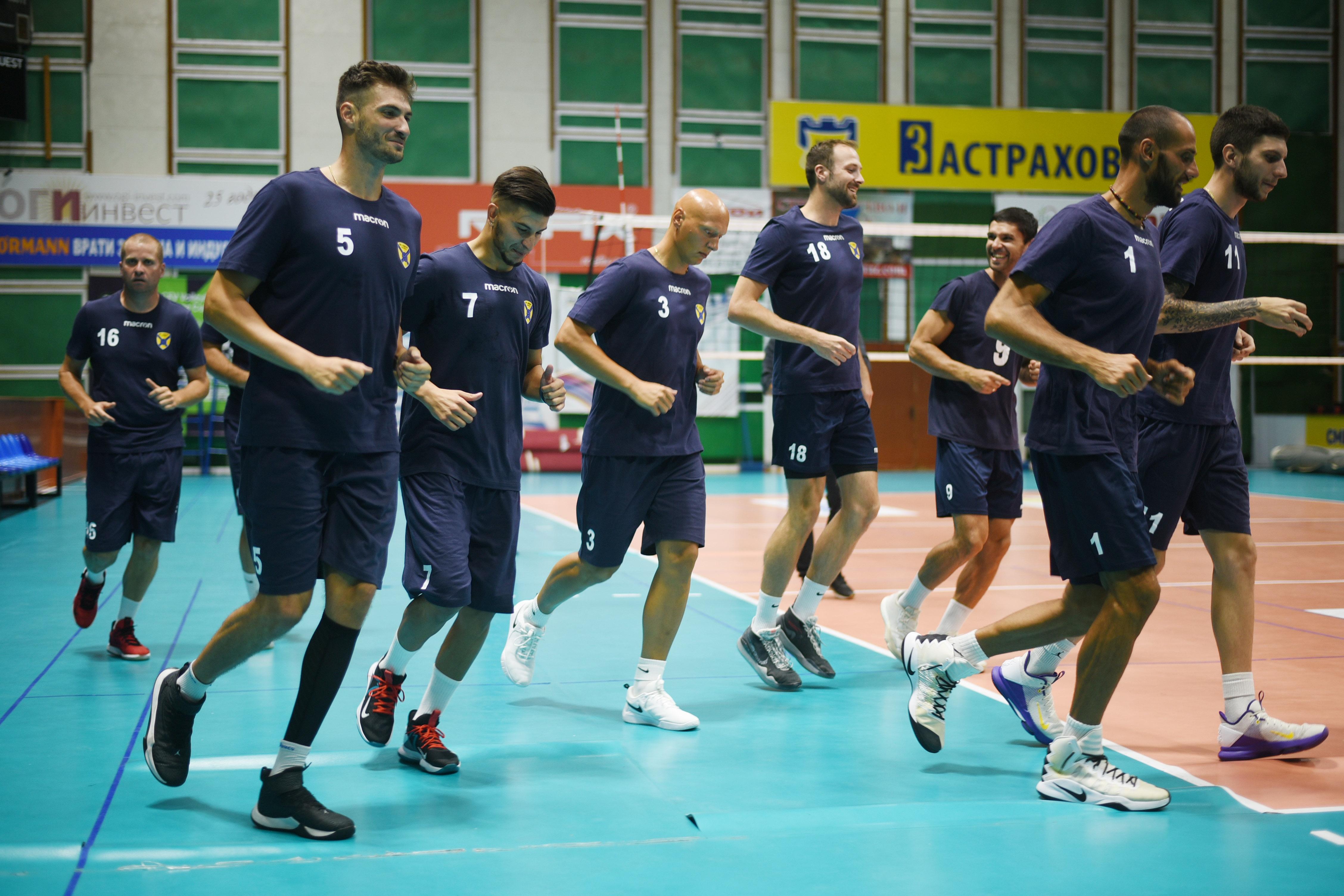 Хебър (Пазарджик) проведе първата си тренировка за новия сезон. Тя