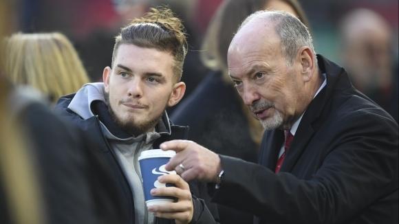 Питър Мур ще напусне поста изпълнителен директор на Ливърпул в