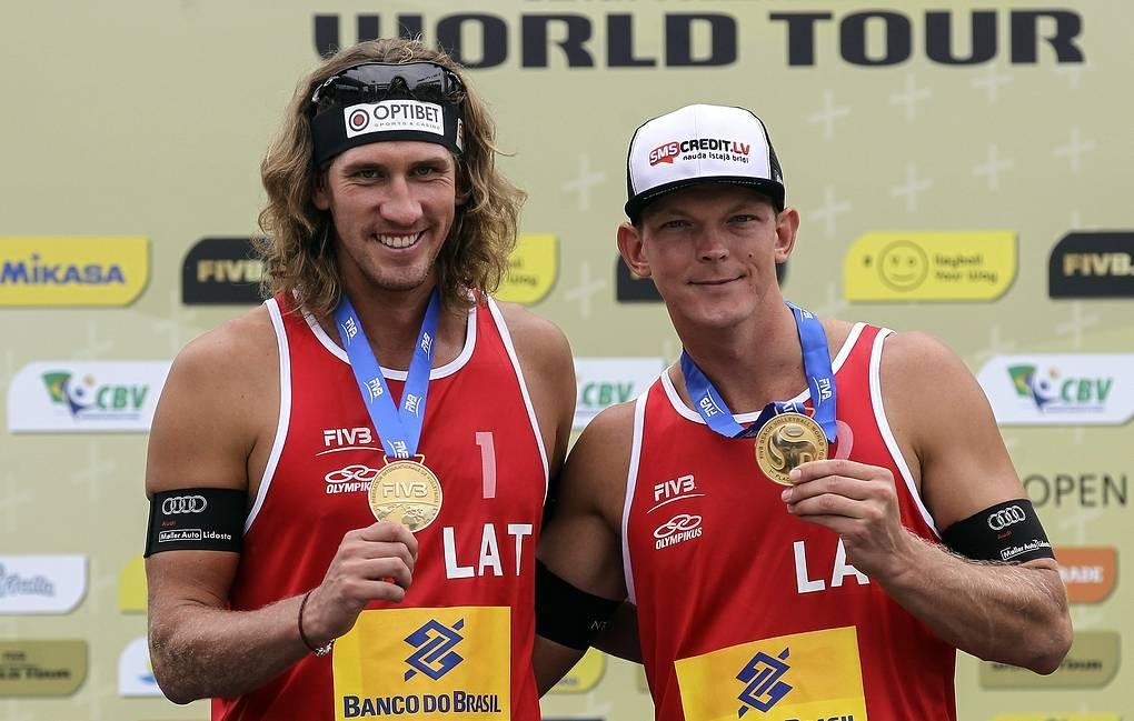 Трикратните победители в Световния тур по плажен волейбол от 2013,