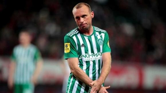 Халфът на Ахмат Денис Глушаков обяви, че напуска клуба. Той
