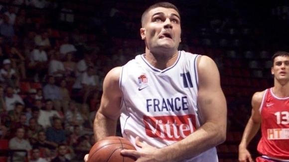 Бившият български баскетболен национал с френски паспорт Васил Евтимов ще