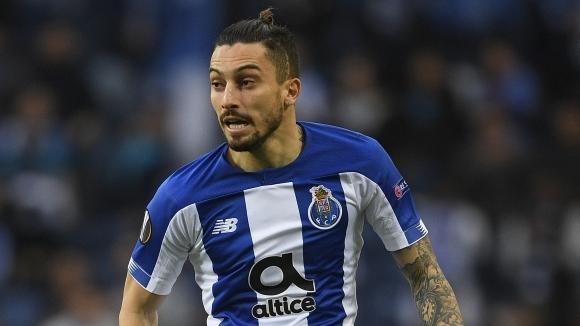 Манчестър Юнайтед проявява интерес към крайния бранител на Порто Алекс