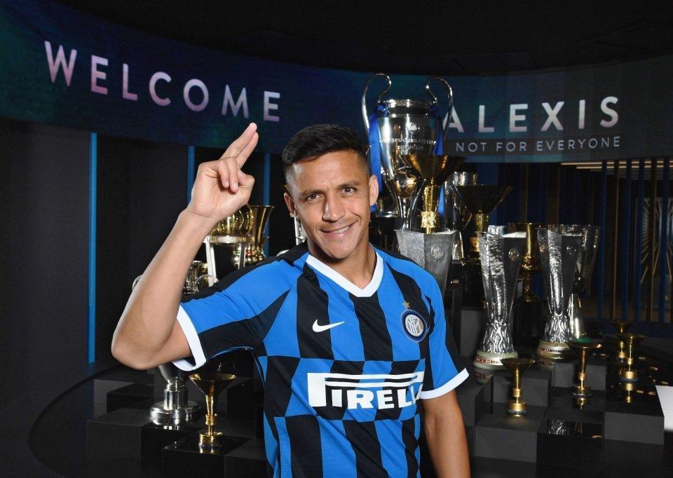 Фланговият нападател Алексис Санчес официално е играч на Интер.