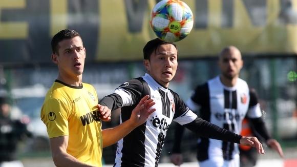 Отборите на Ботев (Пловдив) и Локомотив (Пловдив) завършиха при резултат