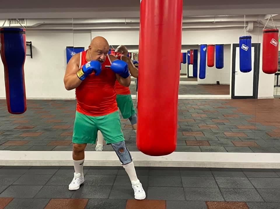 Министърът на младежта и спорта Красен Кралев сложи боксовите ръкавици