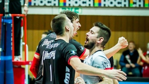 Бившият волейболист на Тетевен Волей Мартин Мечкаров се завръща в