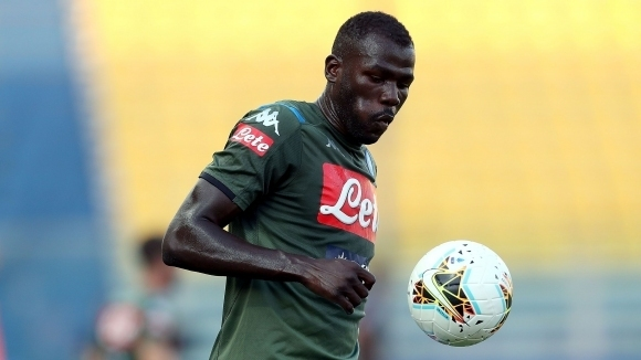 Защитникът на Наполи Калиду Кулибали може да продължи кариерата си