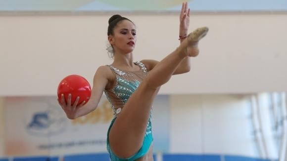 Националните състезателки Невяна Владинова и Татяна Воложанина са с контузии