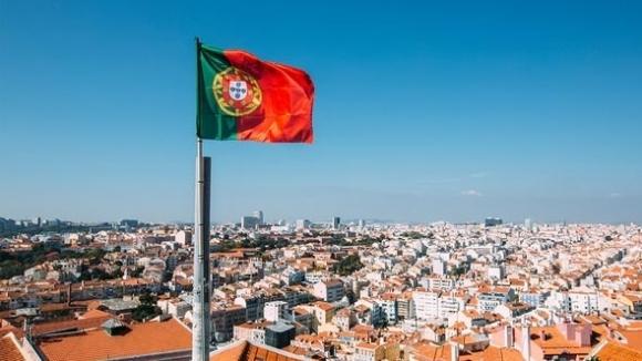 Португалският премиер Антонио Коща призова футболните привърженици да посетят страната