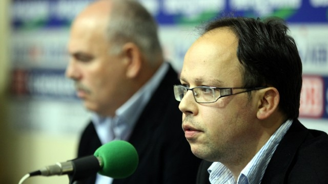 Оперативният директор на Национална волейболна лига Христо Апостолов е един