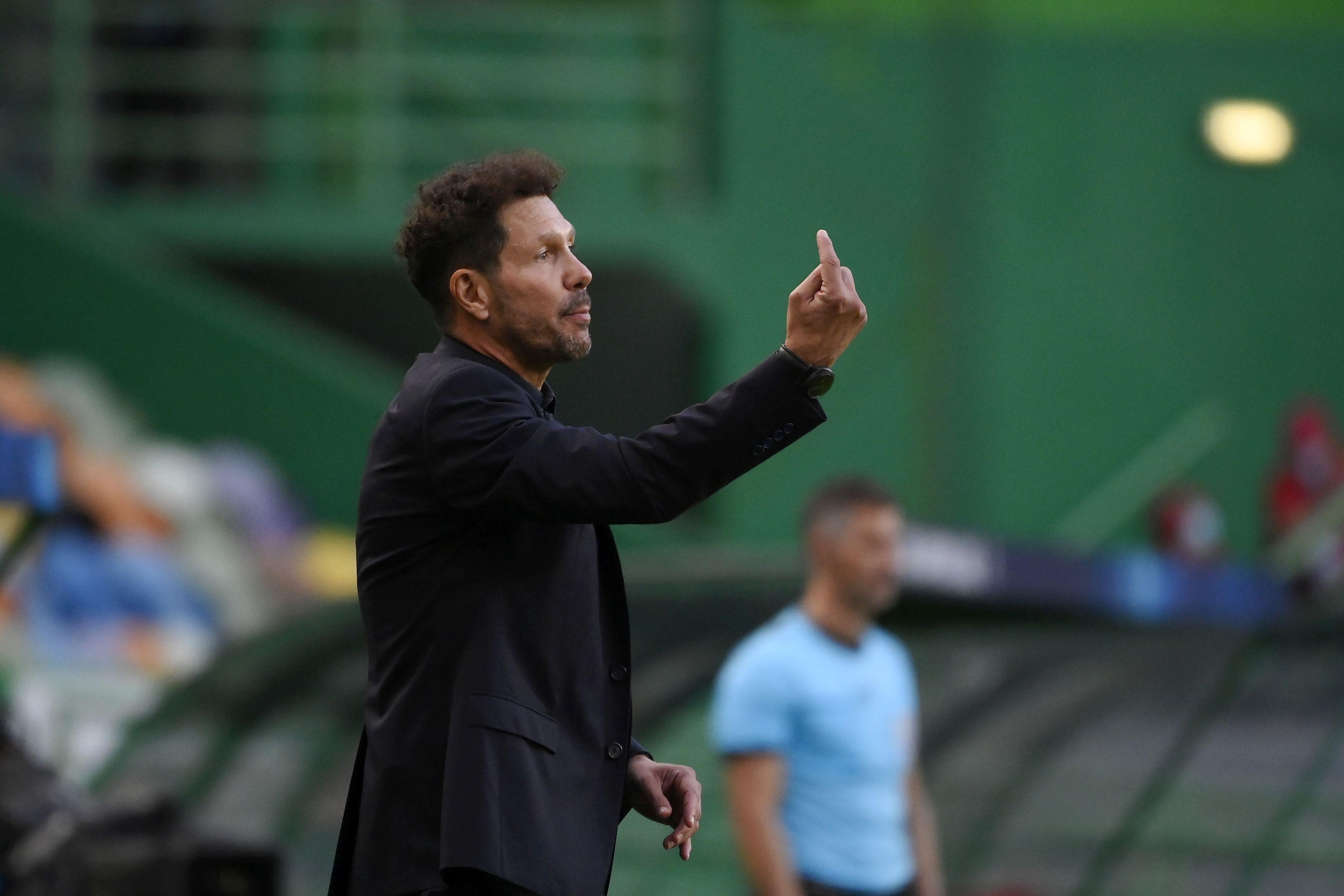 Треньорът на Атлетико Мадрид Диего Симеоне трудно преглътна загубата с