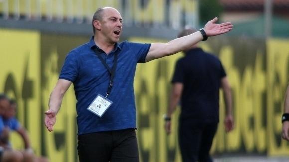 Треньорът на Черно море Илиан Илиев определи групата за гостуването