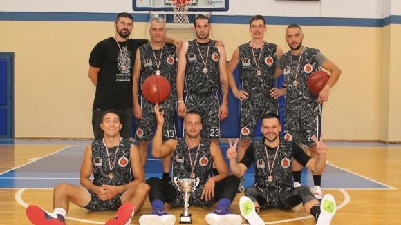 Отборът на Трипъл-дабъл завоюва бронзовите медали в Трета дивизия на