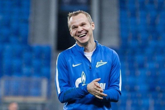 Бившият защитник на Александър Анюков ще стане част от треньорския