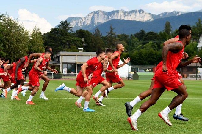 Шампионът на Англия Ливърпул пристигна в Австрия за начало на