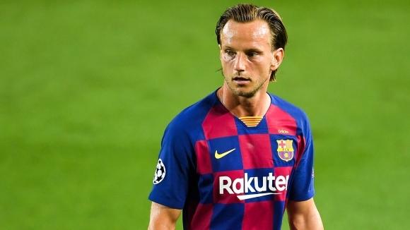 Халфът на Барселона Иван Ракитич ще се завърне в Севиля,