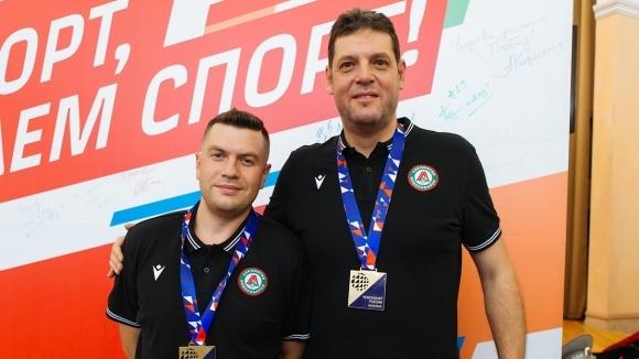 Воденият от бившия национален селекционер Пламен Константинов Локомотив (Новосибирск) започна
