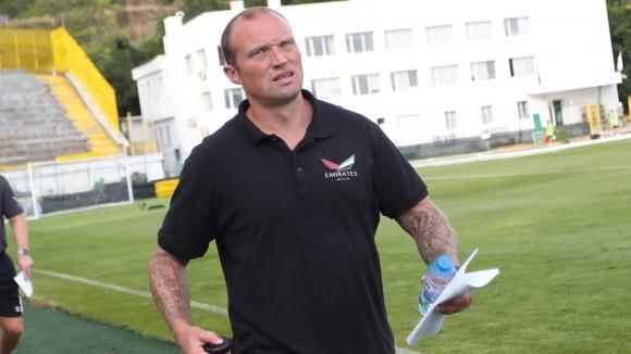 Елитният ирландски футболен клуб Уотърфорд проявява интерес към мениджъра на