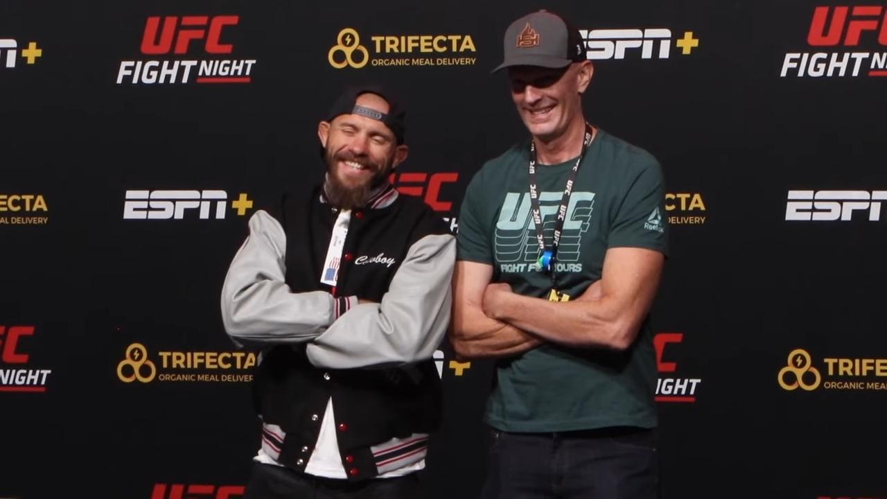 Живата легенда на UFC,Доналд Серониполучи подарък от Джеф Новицки. Причината