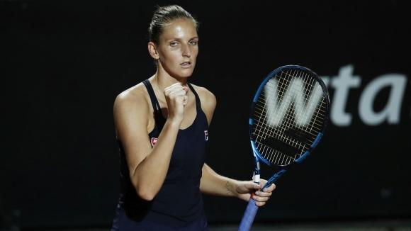 Защитаващата титлата си Каролина Плишкова (Чехия) се класира за полуфиналите
