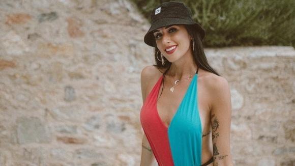 Сочената за най-сексапилна баскетболистка Валентина Виняли знае как да остане