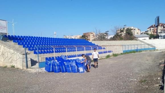 Ръководството на Спартак (Варна) сложи 800 нови седалки на клубния