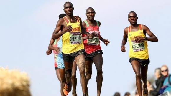 Световният шампион на 10 000 метра Джошуа Чептегей и лидерът