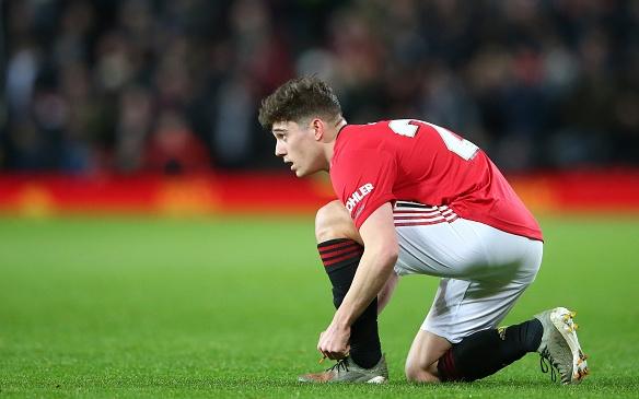 Крилото на иска да остане в клуба, съобщава Manchester Evening
