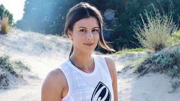 Нова, още по-секси визия показа тенисистката ни Цветана Пиронкова. Тя