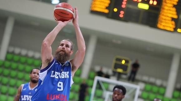 Левски Лукойл победи Черноморец (Бургас) с 98:92 точки в контролна