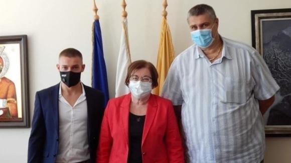 Президентът на Българската федерация по волейбол Любо Ганев посети Троян