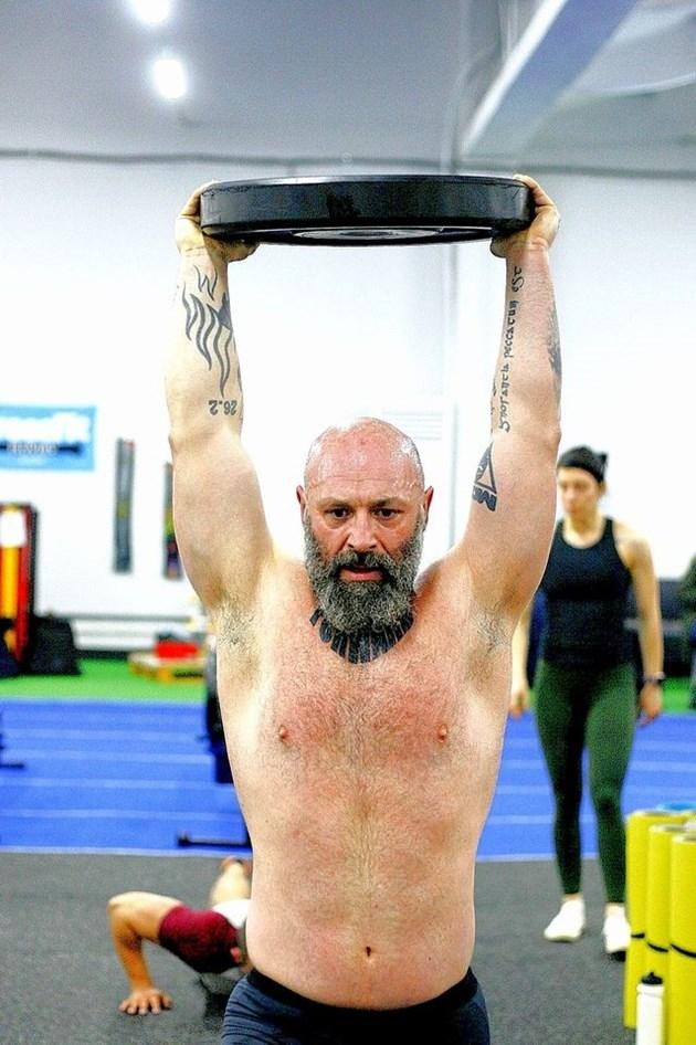 Ултрамаратонецът Краси Георгиев прие поредното брутално предизвикателство. Той ще тегли