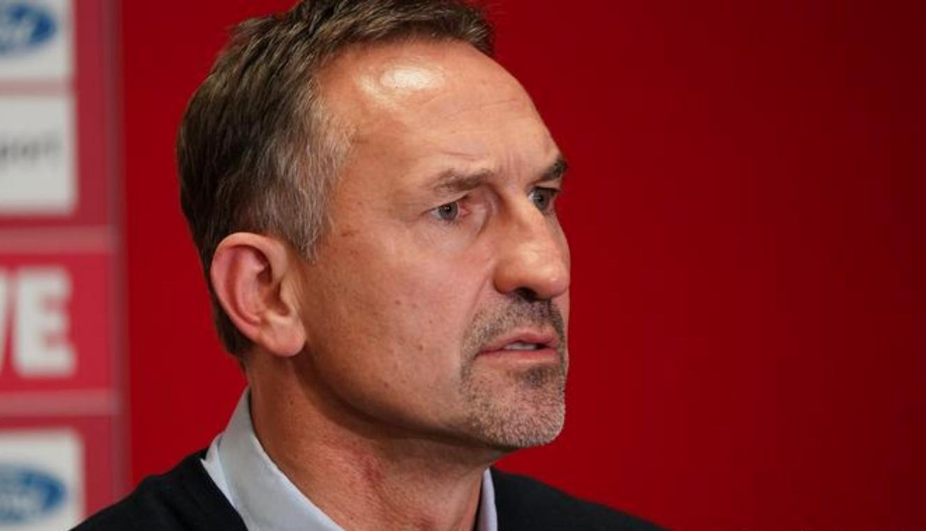 Ръководството на Майнц 05 освободи от длъжност треньора Ахим Байерлорцер.