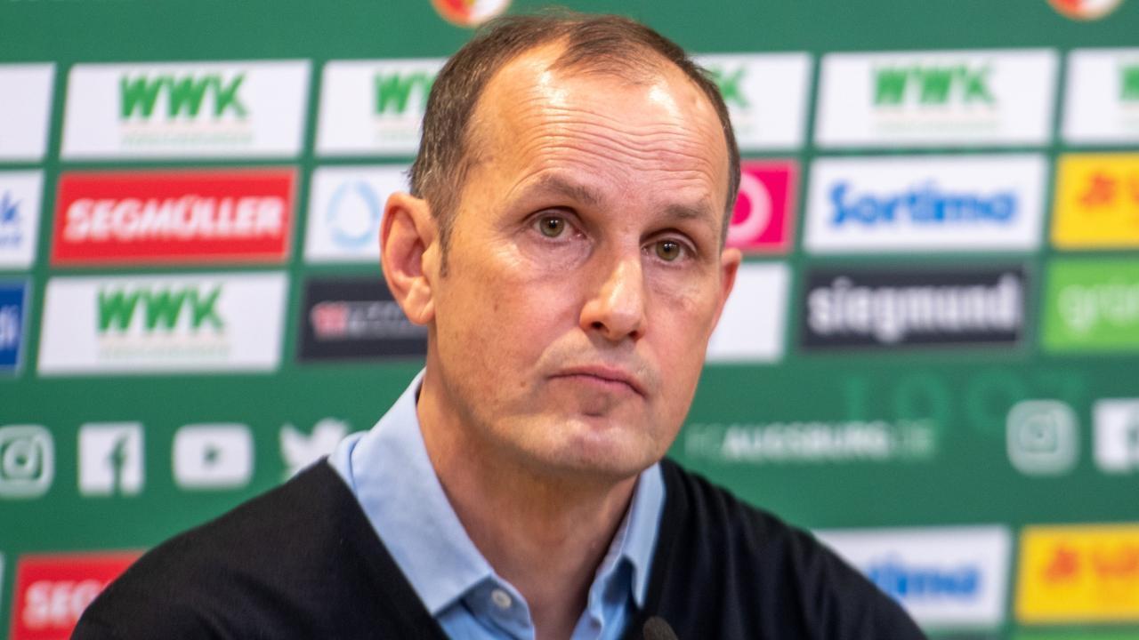 Старши треньорът на Аугсбург Хайко Херлих няма да бъде на