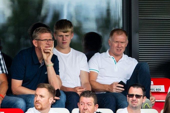 Пол Скоулс бе обявен за временен мениджър на Салфорд Сити.