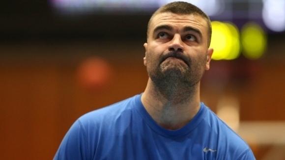 Петима баскетболисти на Черноморец и старши треньорът Васил Евтимов са