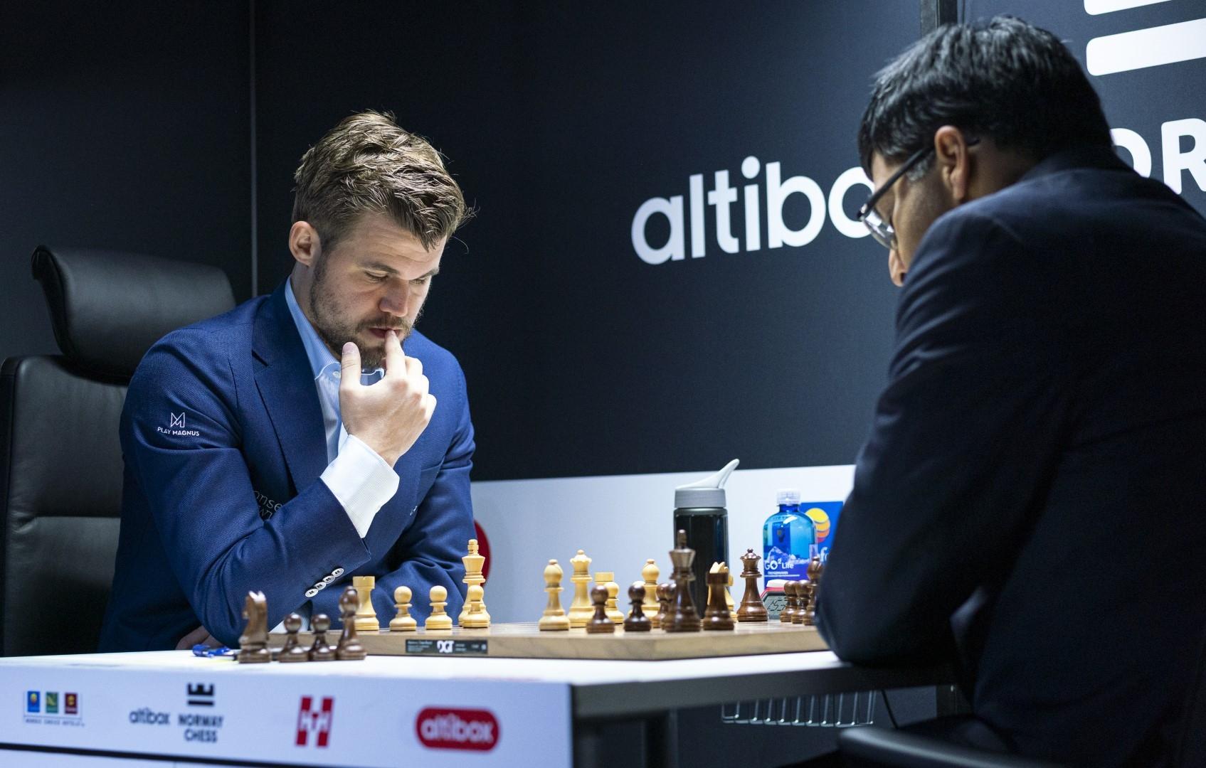 Световният шампион Магнус Карлсен спечели предсрочно супертурнира по шахмат в