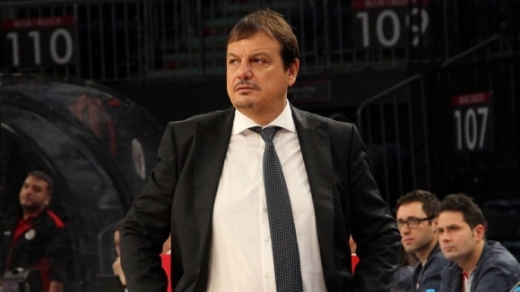 """Старши треньорът на Анадолу Ефес Ергин Атаман избухна срещу """"несправедливите"""""""