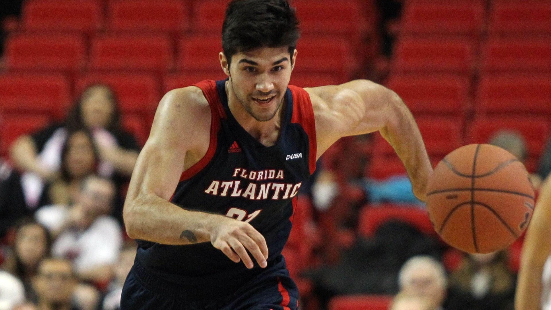 Българският баскетболист Симеон Лепичев премина в състава на испанския втородивизионен
