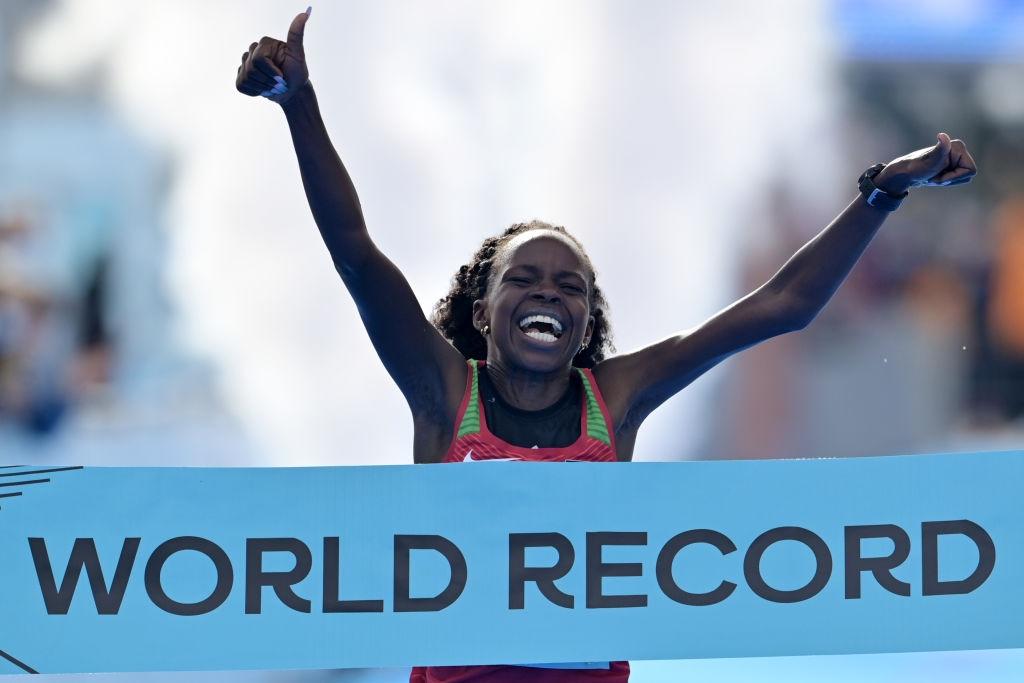 Световната шампионка и световна рекордьорка в полумаратона Перес Джепчирчир ще